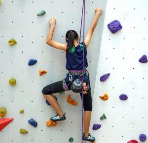 Climb-it-fabricant-de-murs-d-escalade-adulte-enfant