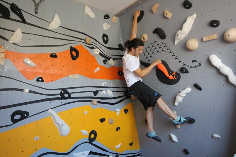 Mur-d-escalade-interieur-chambre-conception-installation-CLIMB-IT-escalade-factory-decor-original-Colorado-projet-Rueil-Malmaison-actu-2