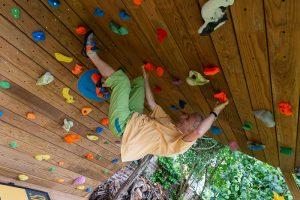 Club-Suresnes-escalade-teste-mur-d-escalade-CLIMB-IT-exterieur-5