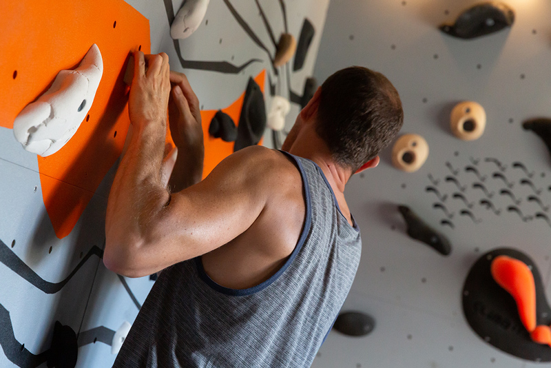 Club Suresnes Escalade teste les murs d'escalade CLIMB IT. Conception et intallation CLIMB IT Escalade factory.1