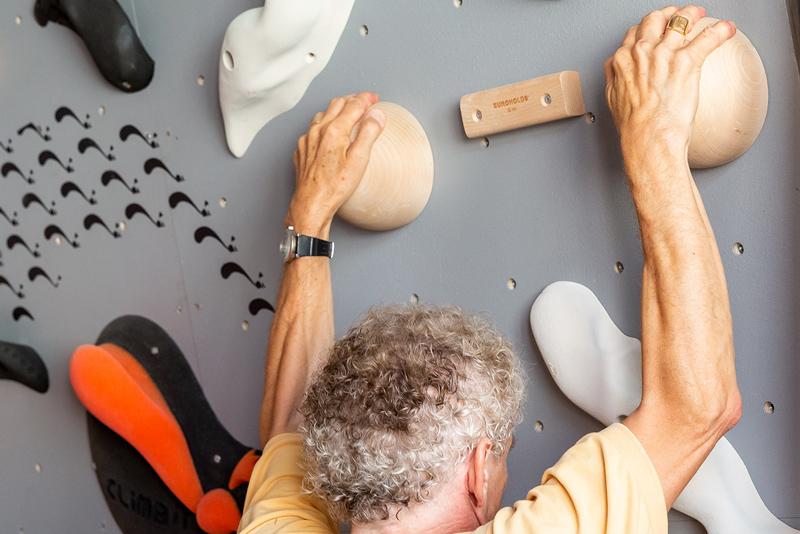 Club Suresnes Escalade teste les murs d'escalade CLIMB IT. Conception et intallation CLIMB IT Escalade factory.3