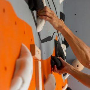 Mur-d-escalade-interieur-chambre-conception-installation-CLIMB-IT-escalade-factory-decor-original-Colorado-gros-plan